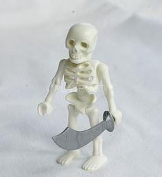 PLAYMOBIL SQUELETTE Skeleton . http://www.playboutik.com/achat-playmobil-squelette-407399.html