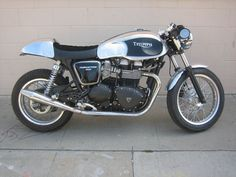 Triumph Thruxton Cafe Racer by Garage Company #motorcycles #caferacer #motos | caferacerpasion.com