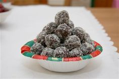 Try this Double chocolate rum balls recipe by Chef JT. Rum Balls, Cooking Chocolate, Christmas Dishes, Coconut Rum, Balls Recipe, Chocolate Cream, Looks Yummy, Baileys, A Food