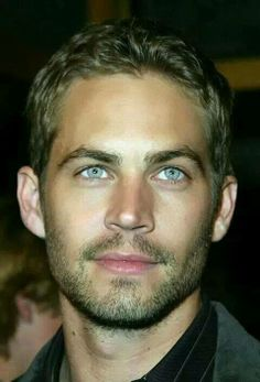 Honestly too beautiful for words... just beautiful! Paul Walker with those beautiful blue eyes.