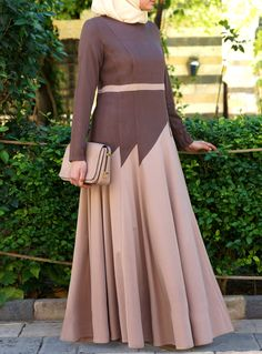 SHUKR's long dresses and abayas are the ultimate in Islamic fashion. Abaya Fashion, Modest Fashion, Women's Fashion Dresses, Muslim Women Fashion, Islamic Fashion, Hijab Chic, Hijab Abaya, Hijab Dress, Western Dresses For Women