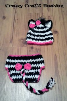 Who do I know that can crochet and make me one of these zebra sets for a new born asap?!