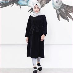 New style hijab casual hitam putih 39 ideas Casual Chic Outfits, Hijab Casual, Hijab Chic, Classy Casual, Retro Outfits, Tutu Outfits, Hijab Stile, Summer Outfits For Teens, Romantic Outfit