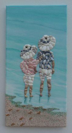 Seashell Mosaic - Children in Sun Hats - - Muschelideen - amazing craft Sea Glass Crafts, Sea Crafts, Sea Glass Art, Crafts With Seashells, Baby Crafts, Stone Crafts, Rock Crafts, Seashell Projects, Seashell Crafts Kids