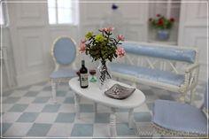 The castle Mermaid's log book: hall interior - Decorating salon Miniature Dollhouse Furniture, Miniature Dolls, Dollhouse Miniatures, Doll House Crafts, Doll Houses, Hall Interior, Small Town Girl, Dream Doll, Barbie Accessories