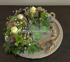 Herfst 2019 Christmas Wrapping, Diy Christmas Gifts, Christmas Home, Christmas Tree Ornaments, Christmas Wreaths, Christmas Decorations, Christmas Flower Arrangements, Floral Arrangements, Dress Form Christmas Tree
