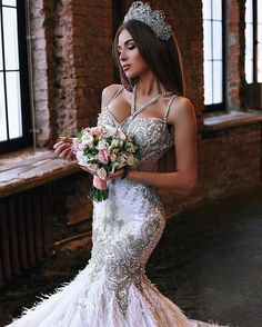 Tips For Putting Together A Successful Wedding Day. Wedding planning can be as difficult as it is stressful. Sexy Wedding Dresses, Wedding Bridesmaid Dresses, Bridal Dresses, Wedding Gowns, Wedding Wear, Wedding Tips, Wedding Dress Accessories, Trendy Wedding, The Dress