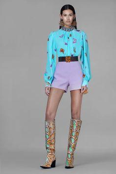 Spring Summer Fashion, Spring Outfits, Fashion Show, Fashion Design, Fashion Trends, Column Dress, Vogue India, Models, Vogue Paris