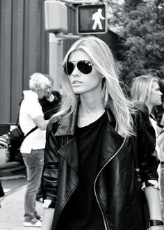 Black aviators look great with leather. #sunglasses