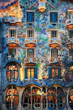 Casa Batlló a Gaudi masterpiece in Barcelona. The local name for the building is Casa dels ossos (House of Bones), because: well you can see for yourself. Beautiful Architecture, Beautiful Buildings, Art And Architecture, Modern Buildings, Places Around The World, Oh The Places You'll Go, Beautiful World, Beautiful Places, Art Nouveau