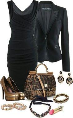 Vestido negro y zapatillas cobre
