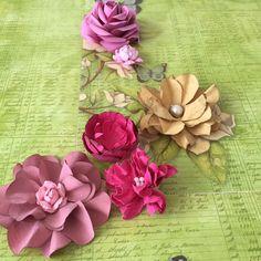 Paper flower laço