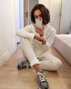 "Alicia Roddy på Instagram: ""Cable knit coord I'm all over it.. obviously"""