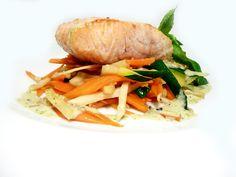 Steak z norského lososa s glazírovanou zeleninou #ukastanujarov http://www.ukastanu.cz/jarov