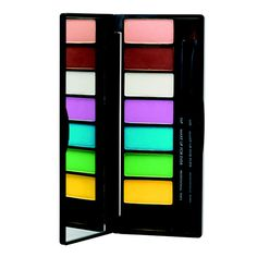 Palette Technicolor de Make Up For Ever http://www.vogue.fr/beaute/shopping/diaporama/palettes-make-up-yeux-couleurs/12487/image/741423#palette-technicolor-de-make-up-for-ever