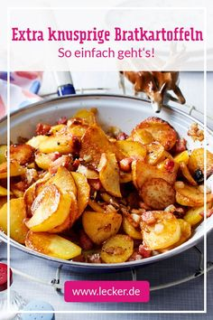 Fried potatoes - the recipe to make yourself DELICIOUS - Hausmannskost - Futtern wie bei Muttern - Meat Recipes Yummy Chicken Recipes, Yum Yum Chicken, Meat Recipes, Healthy Dinner Recipes, Crockpot Recipes, Cooking Dishes, Fried Potatoes, Healthy Eating Tips, Vegetable Dishes
