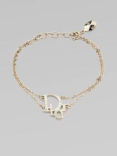 Love Dior and love this signature logo bracelet Dior Jewelry, Cute Jewelry, Luxury Jewelry, Jewelry Accessories, Fashion Accessories, Jewelry Design, Fashion Jewelry, Designer Jewelry, Accesorios Casual
