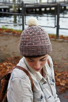 A Most Bespeckled Hat by Alex Tinsley Hand Knitting, Knitting Patterns, Sewing Patterns, Knit Hats, Craft Items, Crochet Yarn, Beanies, Yarns, Crochet Projects