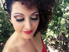 make up pin up my profile facebook :  https://www.facebook.com/joemy.bijoux photographer : https://www.facebook.com/DSALAMONEPhotography?fref=ts
