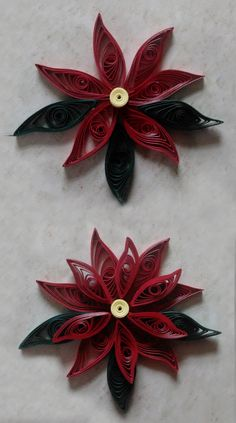 DIY - Paper Quilled Poinsettia! Beautiful and simple Christmas craft