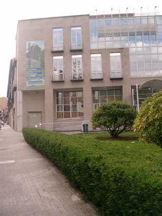 Casa da Cultura onde está ubicada a Biblioteca de Ribadavia, no 1º andar