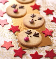 Sablés Rennes de Noël Shortbread Christmas Reindeer – Shortbread Christmas for the holidays with children Christmas Mood, Christmas Goodies, Christmas Desserts, Christmas Treats, Reindeer Christmas, Noel Christmas, Christmas Decorations, Xmas Food, Christmas Cooking