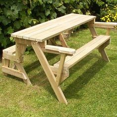1 piece folding bench seat to picnic table and seats Table Picnic, Folding Picnic Table Bench, Folding Couch, Folding Tables, Folding Seat, Picnic Time, Table Seating, Wood Table, Diy Furniture Plans Wood Projects