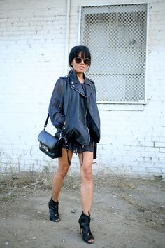 Petite fashion bloggers : Lust for Life :: BombPetite.com - great all black outfit...x