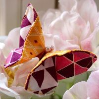 Sewing DIY Origami Butterfly from fabric remnants: I'm really in the spring … - Fabric Scraps Origami Fish, Origami Butterfly, Origami Art, Fabric Remnants, Fabric Scraps, Sewing Crafts, Sewing Projects, Sewing Diy, Sewing Ideas
