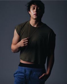 Filipino Baby, Mens Crop Top, Enrique Gil, Liza Soberano, Attractive Guys, High Fashion, Hot Guys, Singer, Actors