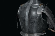 1432: A black and white armour : Lot 1432