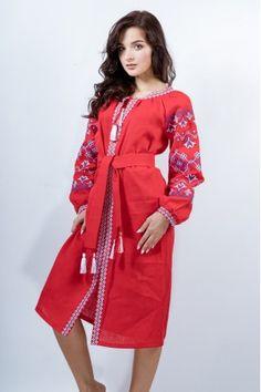 Елегантна вишита сукня з натурального льону. Сукню прикрашено вишитим  хрестиком орнаментом на рукавах та від faeecb4fa9656