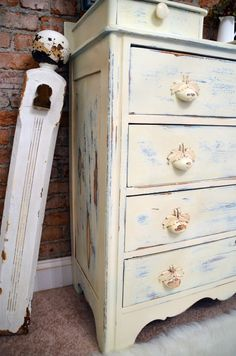 Distress a dresser. How to layer paint.