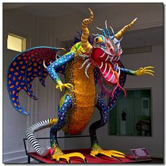 Mexico City, Mexico Grande/Large See where this picture was taken. Mexican Artwork, Mexican Folk Art, Mexican Artists, Popular Art, Egg Art, Dragon Art, Teaching Art, Spirit Animal, Sculpture Art