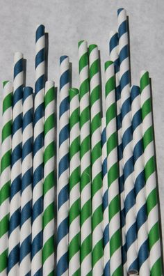 100 Paper Straws in Navy Blue and Green Pack by bevebylaurenfish