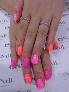 pink/peach/magenta nails