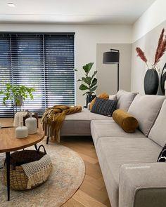 Living Room Wall Designs, Living Room Sofa, Living Room Decor, Cosy House, House Inside, Home And Living, New Homes, House Design, Interior Design