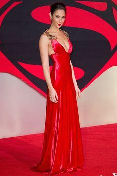 赤いドレスの女たちベストレッドドレッサーは誰