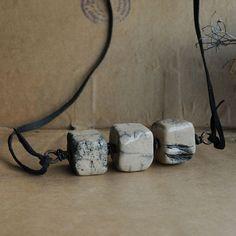 objekte aus speckstein objects made of soapstone speckstein h nde und amulett. Black Bedroom Furniture Sets. Home Design Ideas