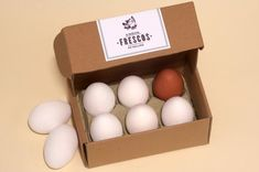 Packaging design is one of the most successful criteria in marketing of a product especially foodies. Here is a post on Amazing Egg Packaging for Inspiration. Kiosk Design, Box Design, Design Ideas, Fresco, Egg Logo, Egg Packaging, Packaging Ideas, Types Of Eggs, Carton Design