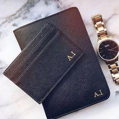 @stylebymanda shows us her black passport holder with initials in gold ✈️ Start your journey at www.deriwe.com, safe flight! #deriwe