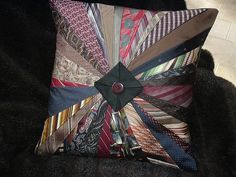 Something to do with old ties. Quilting Projects, Sewing Projects, Mens Ties Crafts, Neck Tie Crafts, Fabric Crafts, Sewing Crafts, Necktie Quilt, Tie Pillows, Old Ties