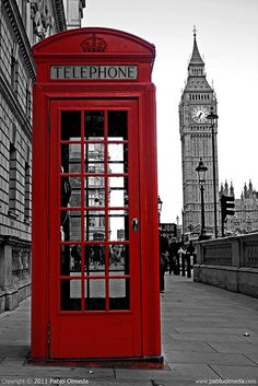 This is a picture of Big Ben... but the first thing I thought of.. was Harry Potter LOL
