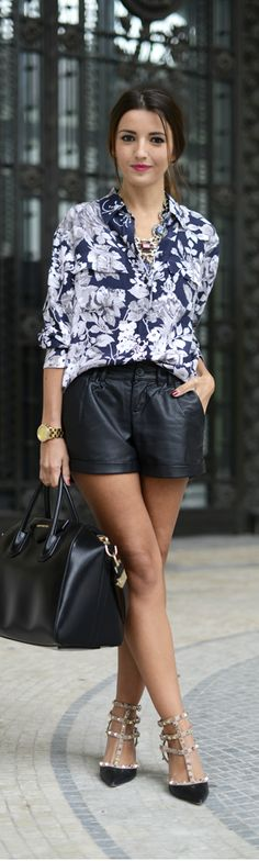 { 40 Ways to Wear Short-Shorts (And Look Stylish) } leather shorts Short Outfits, Summer Outfits, Casual Outfits, Look Fashion, Womens Fashion, Fashion Trends, Fashion Updates, Paris Fashion, Street Fashion