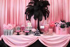 Candy buffet --http://www.usineabonbons.com/
