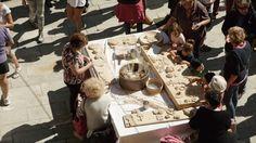 Preparare il pane con le antiche tradizioni di montagna
