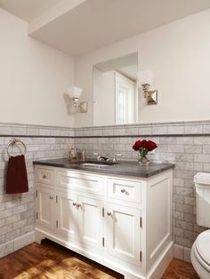 Bathroom vanity - This is what I am looking for, except instead of the side cabinets, drawers!