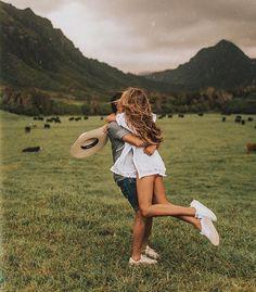 Romantic Boyfriend Girlfriend Pose Ideas for Photography - Creative Maxx Ideas Cute Couples Photos, Cute Couple Pictures, Cute Couples Goals, Couple Goals, Couple Pics, Couple Beach, Romantic Photography, Couple Photography Poses, Photography Ideas