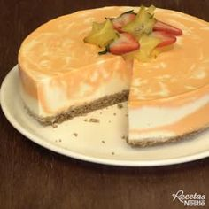 Goat Cheese Cake with Hazelnut, Easy and Cheap - Clean Eating Snacks Lemon Dessert Recipes, Strawberry Cake Recipes, Easy Cheesecake Recipes, Homemade Cheesecake, Cheap Clean Eating, Clean Eating Snacks, Snacks Sains, Cake Recipes From Scratch, Salty Cake