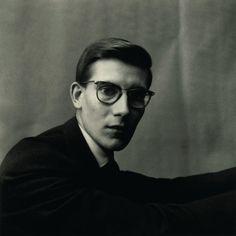 Irving Penn,  Yves Saint Laurent (1957).
